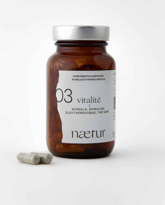 Complément alimentaire vitalité bio 03 (Naetur), pour être moins fatigué, vegan : acérola, spiruline, eleuthérocoque et thé vert.